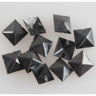 piramisok fém BLACK - 10ks, BLACK & METAL